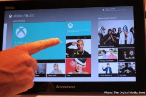 Hands on with Lenovo's Touch-based USB Mobile Monitor
