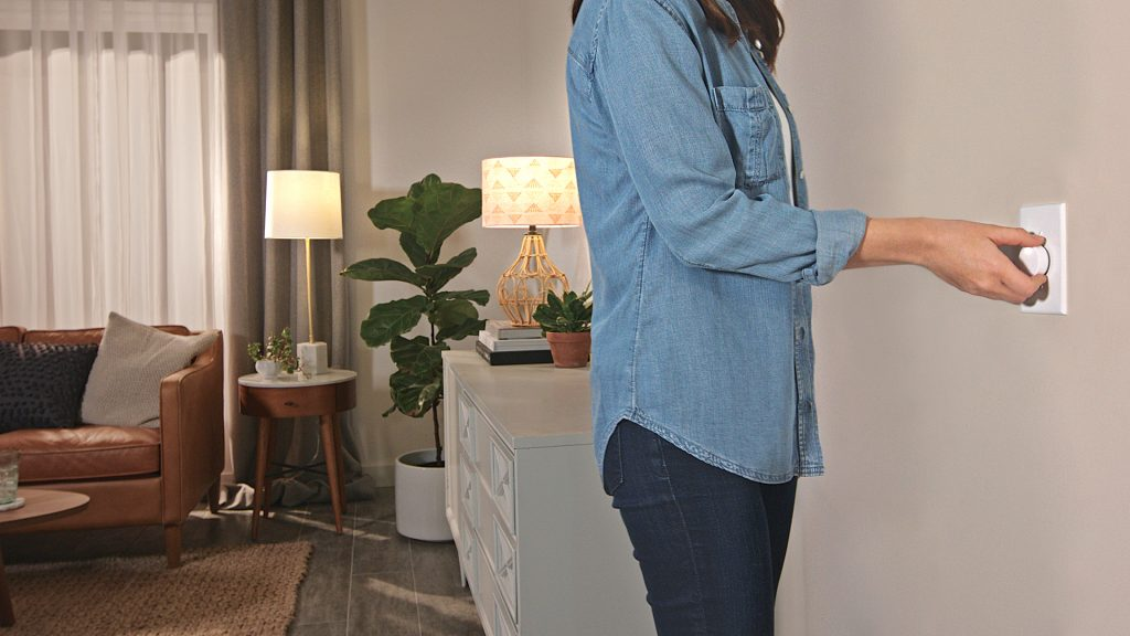 Lutron's Aurora Dimmer Solves the Smart Bulb/Wall Switch Problem